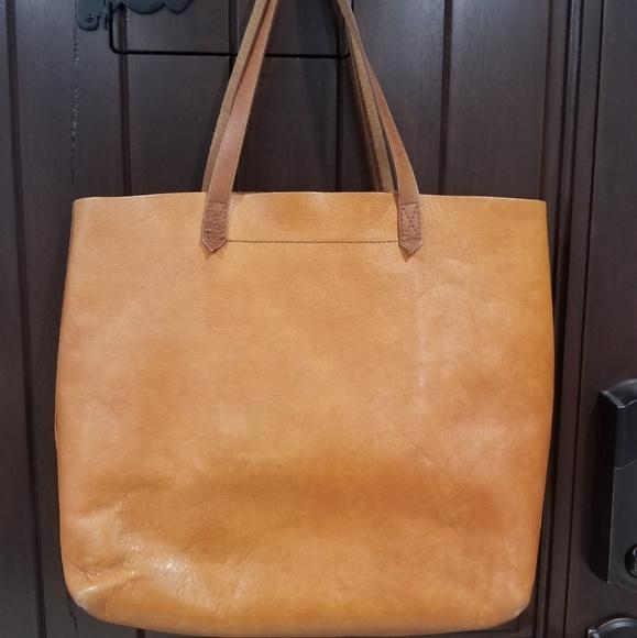 Madewell Handbags - Madewell 1937 Transport Leather Tote bag 89e71b006aaab